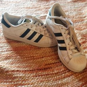 Adidas superstar sneakers shoes size 5